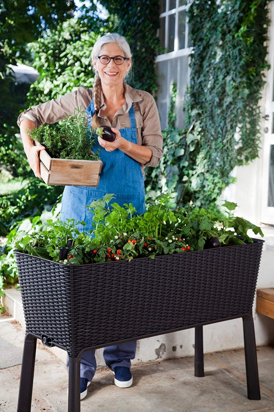 13 Easy Grow Elevated Garden Bed