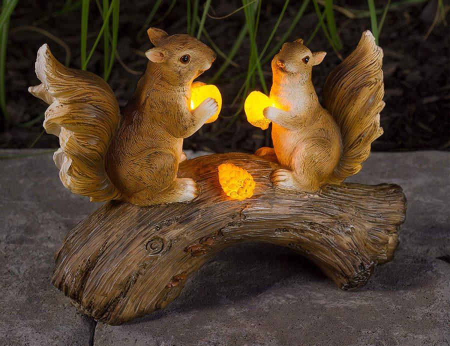 26 Squirrels on a Log Solar Garden Light